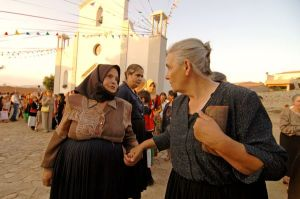 elder-women-barbagia-sardinia_41595_600x450