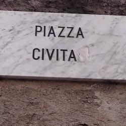 Piazza Civita Targa